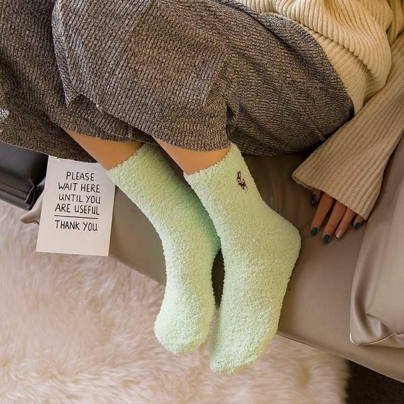 刺繍猫鹿厚みの女性靴下素敵なぬいぐるみ暖かい睡眠レディースガール靴下靴下冬ソフトホームアクセサリーソックスギフト