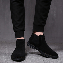 Erkek lüks moda yumuşak deri çizmeler üzerinde kayma siyah takım ayakkabı süet çöl chelsea bota siyah ayak bileği askeri botines hombre