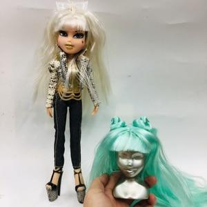 Image 2 - Originale Moda Bombhead Pazzo girll Action Figure bambola Bianco rosso verde cambiamento dei capelli BratzDoll Magic girl ed i Bei vestiti della bambola best Regalo