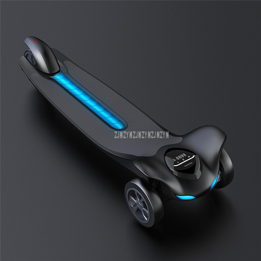 250W 3 Three Wheel Skate Board Mileage 15km Electric Skateboard Scooter Street Board Built-in Bluetooth Speaker Max Speed 25km/h