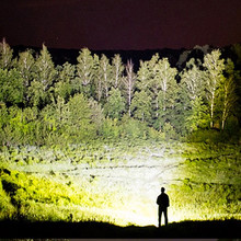 90000 lumens XLamp xhp70.2 hunting most powerful led flashlight