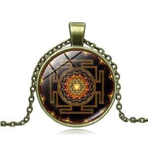 Spiritual Buddhist Sri Yantra Pendant Necklace Chakra Reiki Healing Meditation Necklace(China)