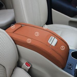 Image 1 - 5 Pcs Interieur Auto Center Armsteun Doos Pad Microfiber Leather Cover Trim Voor Toyota Highlander 2015 2016 2017 2018