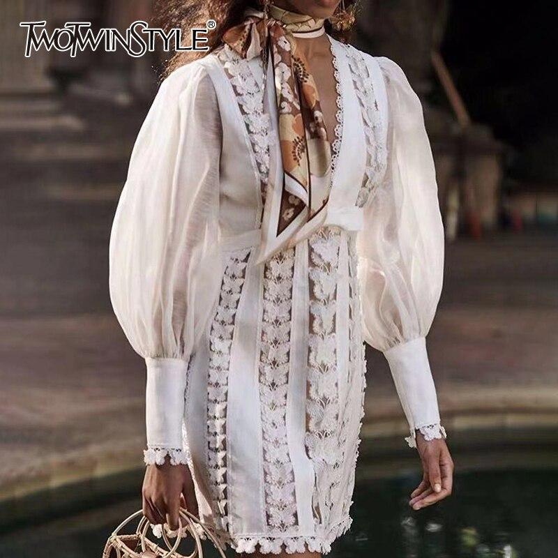 TWOTWINSTYLE haft sukienka kobiety V Neck latarnia rękaw wysoka talia motyl Patchwork Mini letnie sukienki kobiet 2019 moda w Suknie od Odzież damska na  Grupa 1