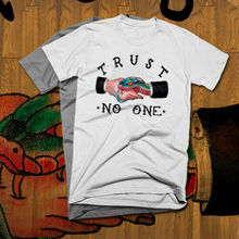 Trust No One Hussle Hard T-Shirt Pablo Escobar El Chapo Mafia Sicario snake tee T Shirt Discount 100 % Cotton