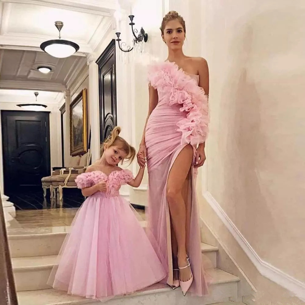 Modest Pink One Shoulder Mother And Daughter Prom Dresses 2020 Sexy Side Split Formal Evening Party Gowns Vestidos De Fiesta