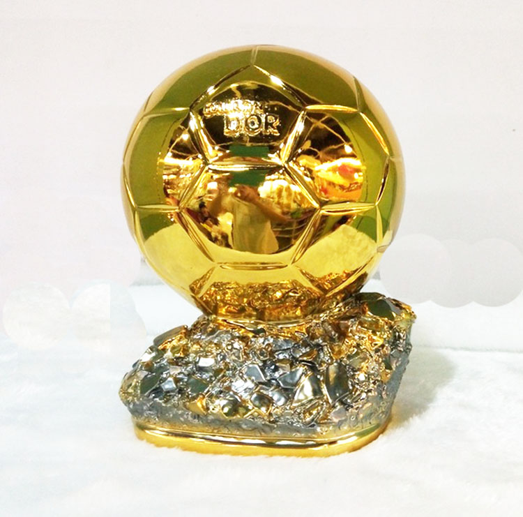 19cm Middle  Size  Ballon DoR Trophy  Golden Ball  Trophy Final Shooter Players Electroplated Golden Ball Cup  Award