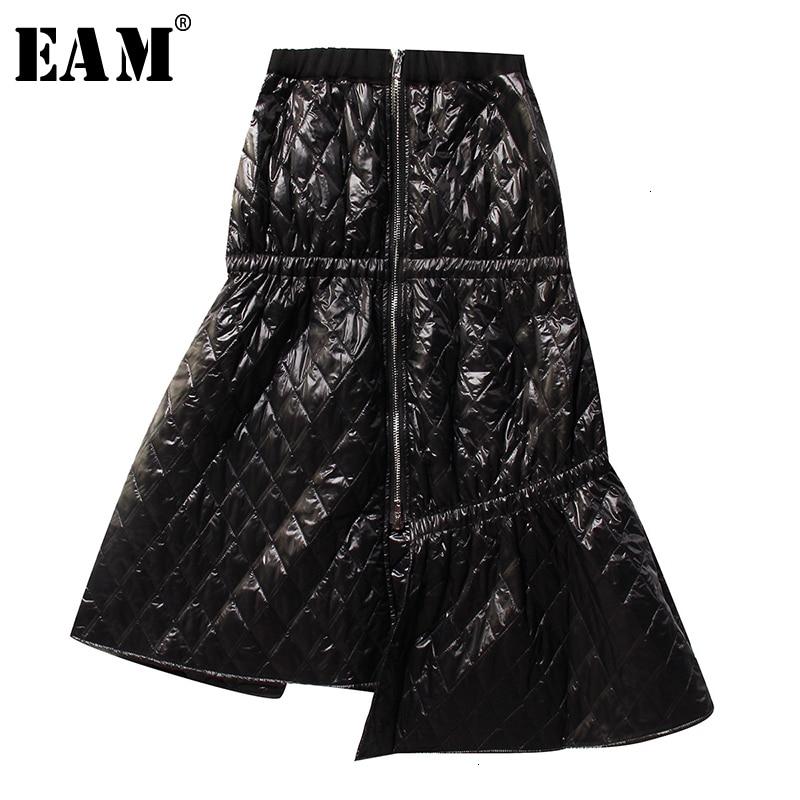 [EAM] High Elastic Waist Black Asymmetrical Cotton-padded Half-body Skirt Women Fashion Tide New Spring Autumn 2020 1N021