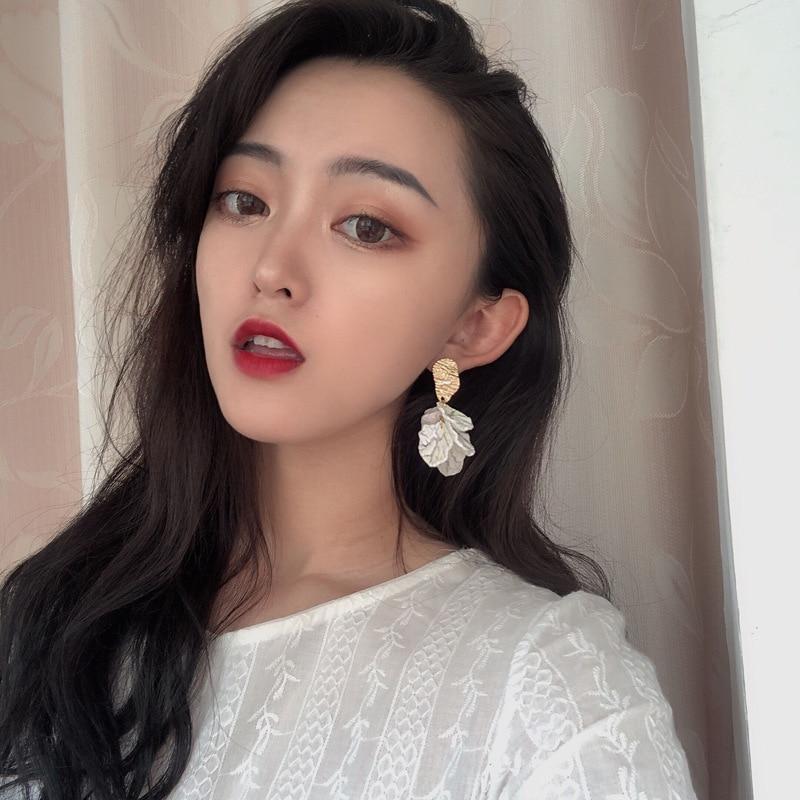 Korea Fashion Jewelry White Flower Earrings Texture Metal Golden Earring Sweet Jewelry For Girls Women Best Gifts