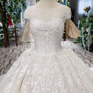 Image 4 - LSS513 Vintage Wedding Dress 2020 Appliques With Wedding Veil O Neck Lace Up V Back White Bridal Ball Gown