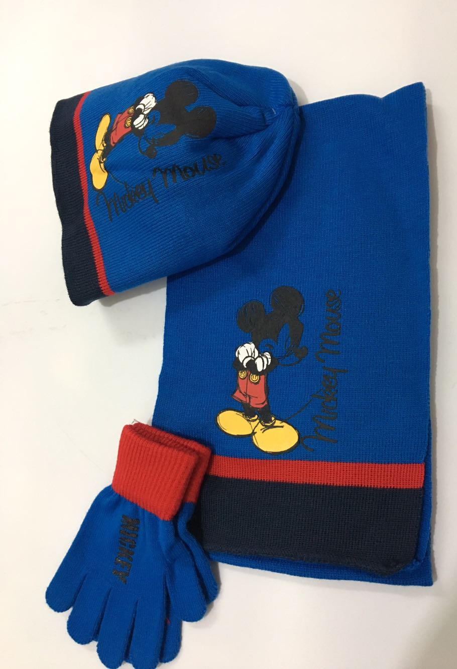 1set Cartoon Mickey Cute Knit Beanie Hat Children Christmas Winter Knitted Scarf Gloves Hat Set Party Kids Gifts 2-8Y