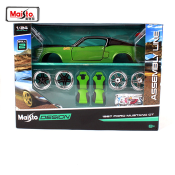 цена на Maisto 1:24 1967 ford mustang gt green car diecast sets noble version car model hand-assembled green car toy gift for men 39094