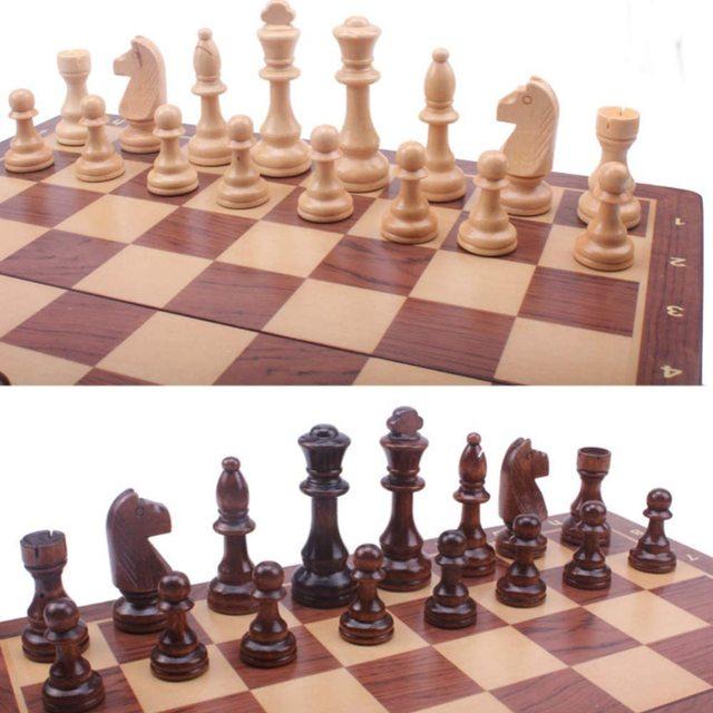 Jeu d'échecs en noyer 15 ''x 15'' avec intérieur de plateau de jeu feutré pour rangement 3