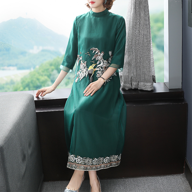 2020 spring women Traditional embroidery Improved cheongsam loose temperament Chinese style long Restoring ancient ways dress