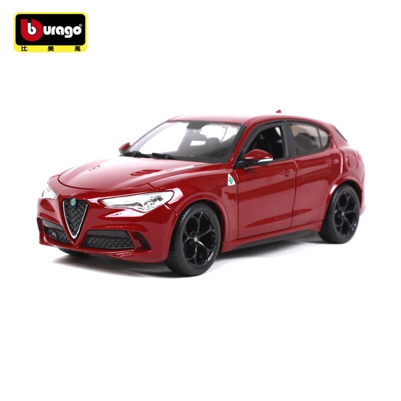 Burago 1/24 Simulated Alloy Car Model Toy For Alfa Romeo STELVIO Giulia SUV Car Model Collection For Man Gfit