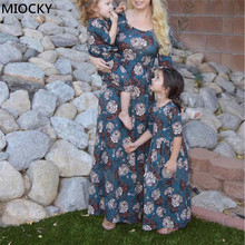 2019 Autumn Family Matching Dress Winter Half Sleeve Floral Long Dress Mom and Daughter Dress Mommy and me clothes E0252 mommy and me denim long sleeves matching dress