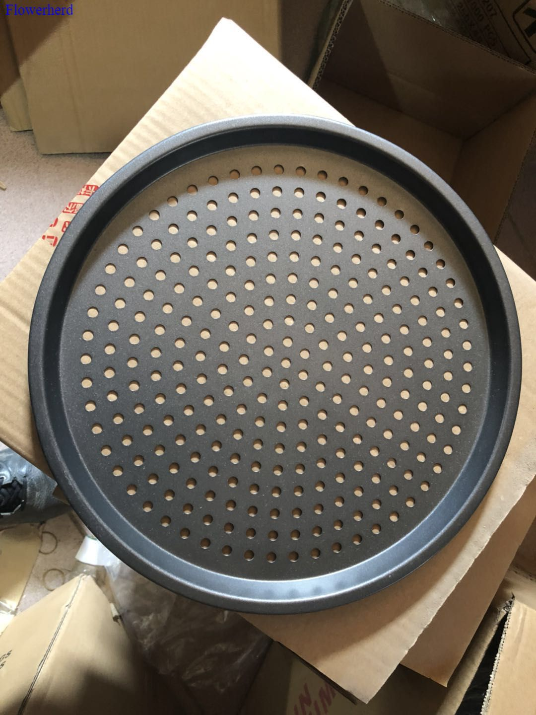 Innovative Bakeware Home Kitchen Baking Tools Perforated Carbon Steel Nonstick Pizza Baking Pan Tray Pizza Plate Dishes Holder