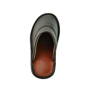 Image 5 - Тапочки из натуральной коровьей кожи для мужчин и женщин, Нескользящие домашние модные повседневные однотонные туфли, мягкая подошва из ПВХ, весна лето 518
