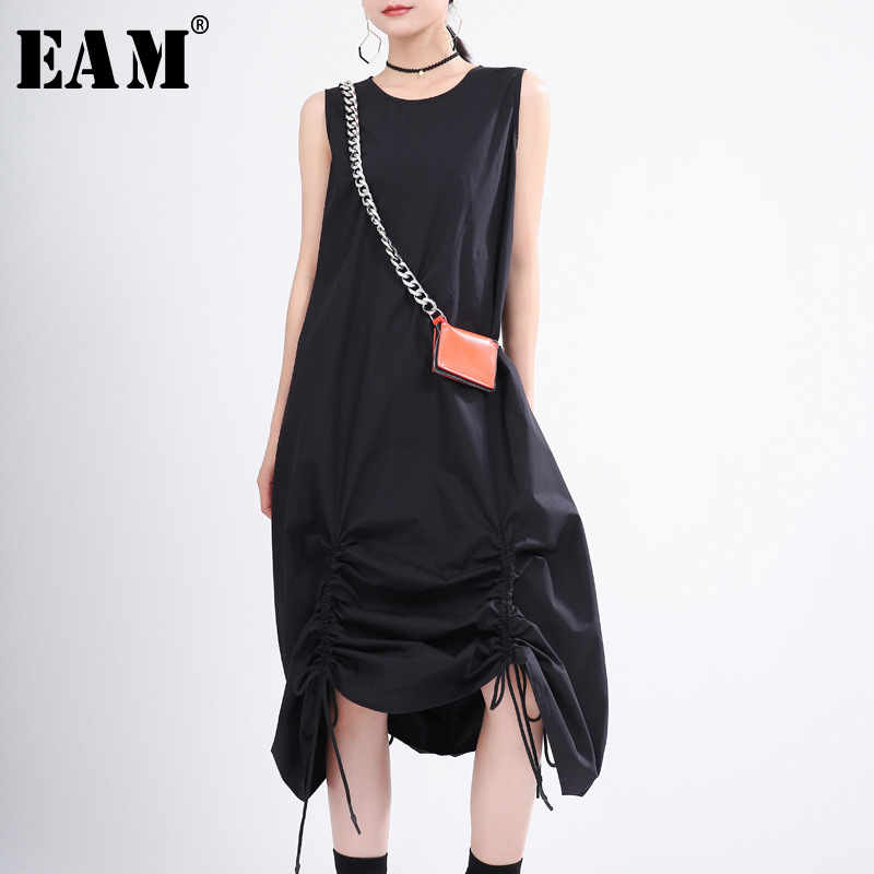 [EAM] Women Black Pleated Drawstring Long Dress New Round Neck Sleeveless Loose Fit Fashion Tide Spring Summer 2020 1T356