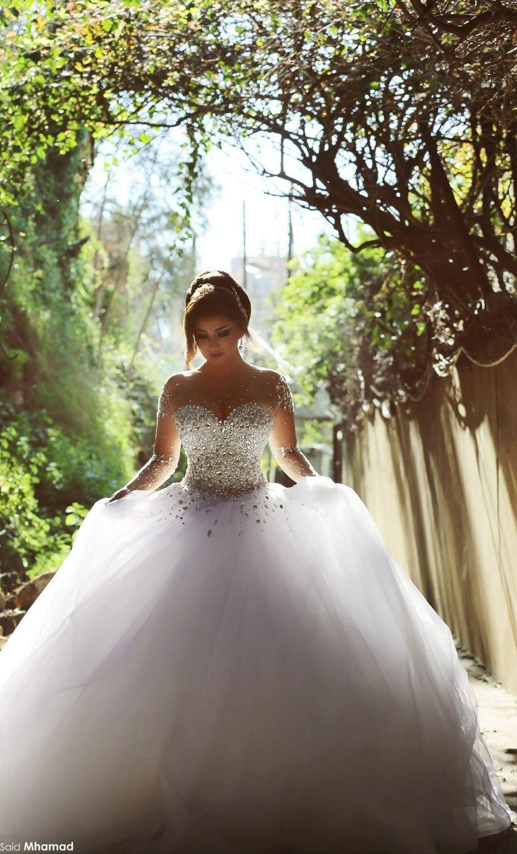 Ball Gown Wedding Dresses 2016 Elegant Wedding Gowns Crystal Beaded Sweetheart Long Sleeve Bridal Gowns Robe De Marige MW15