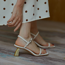 2020 summer new Roman sandals women's fashion wild shaped heel sandals leather simple word buckle middle heel sandals Z928 faux leather mini heel sandals