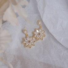 New Korean Exquisite Bridal Wedding Drop Earrings Blingbling White Zircon Fine Flowers Stud Earring Jewelry Gift