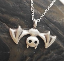 Vintage Cosplay Anime Logo Halloween Bat Chain Pendant Necklace Jewelry Vampire Goth Gift