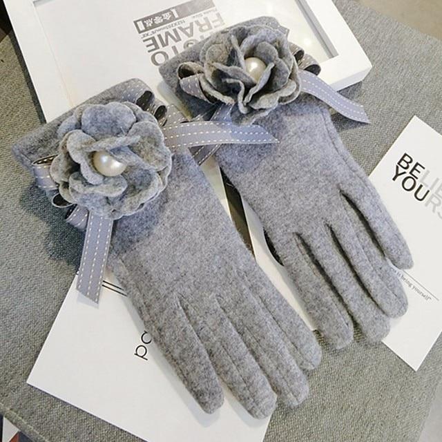 2020 Brand Gloves Winter Women Gloves Cashmere Mittens Female Big Flower Warm Wool Gloves Women Driving Gloves 4