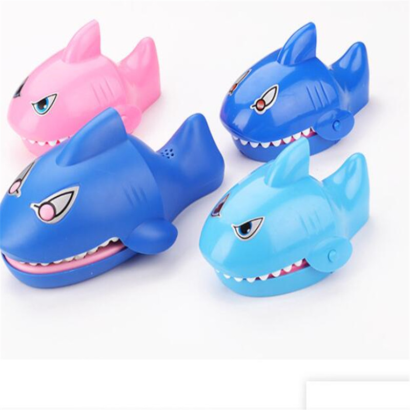 2019 Novelty Plastic Biting Shark Board Table Games Prank Spoof Gadgets Party Toy Camping Game Childs Family Travel China Adults