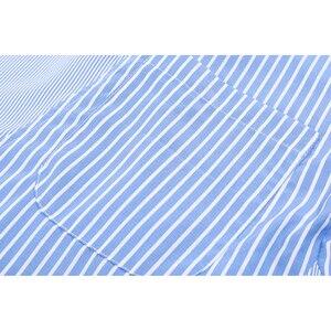 Image 4 - [Eam] Vrouwen Gestreepte Gesplitst Groot Formaat Asymmetrische Blouse Nieuwe Revers Lange Mouwen Loose Fit Shirt Mode Lente Herfst 2020 JZ687