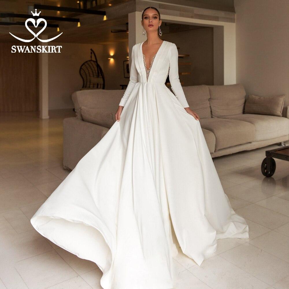Luxury Satin Wedding Dress 2019 Swanskirt Elegant V-neck Crystal Long Sleeve A-Line Court Train Bride Gown Vestido De Noiva UZ22