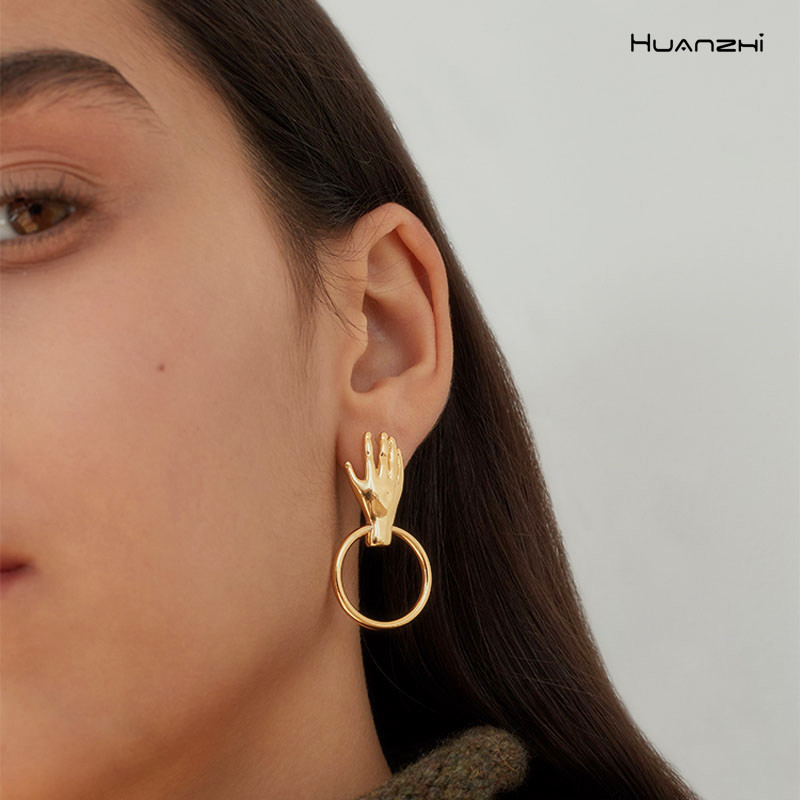 HUANZHI 2019 Korea Fashion Unique Gold Vintage Metal Small Hand  Palm Geometric  Drop Earrings For Women Girls Party Jewelry