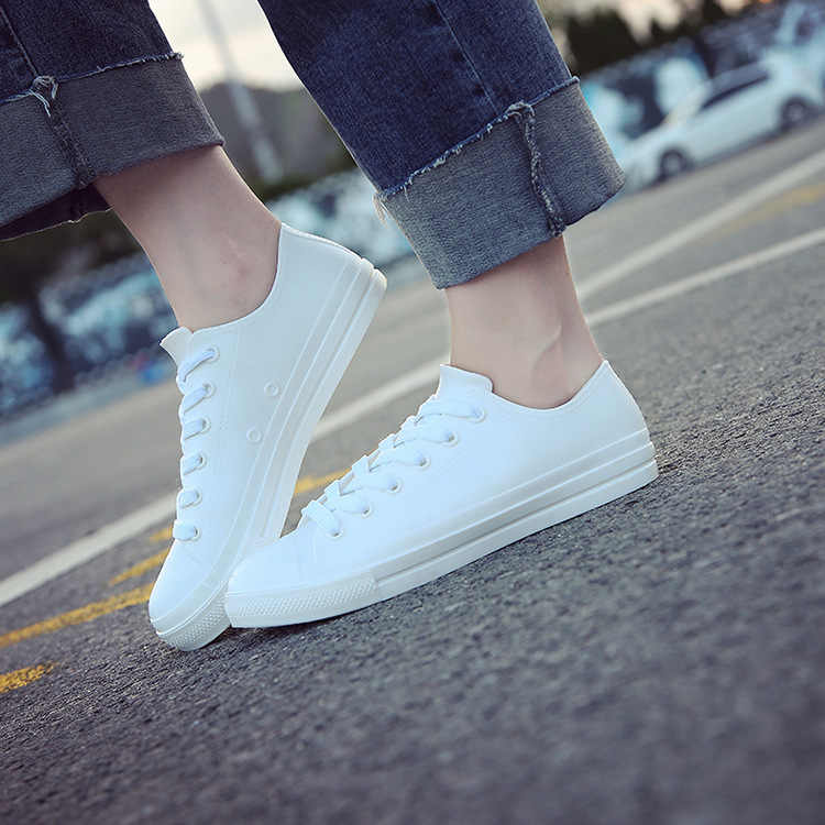 รองเท้าผู้หญิงรองเท้าผ้าใบสีขาวรองเท้าฤดูใบไม้ผลิฤดูร้อนหญิงสบายๆรองเท้ายางฝน 2020 Ghb