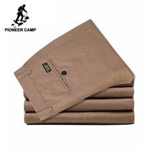 Pioneer Camp jednokolorowa na co dzień spodnie męskie marki odzież stretch klasyczne męskie spodnie slim fit dla mężczyzn Plus rozmiar ciemnoniebieski Khaki