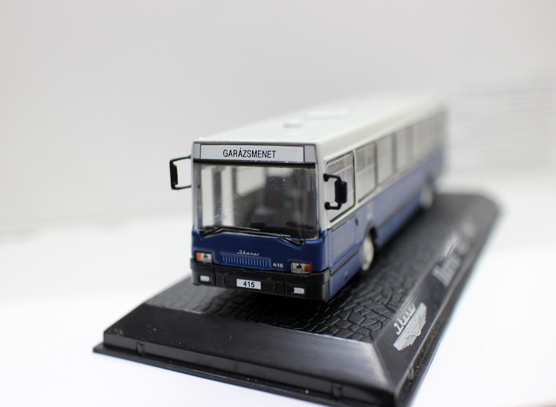 Editions Collections Atlas 1/76 Ikarus 415 1987 Diecast Model Matel Bus Blue