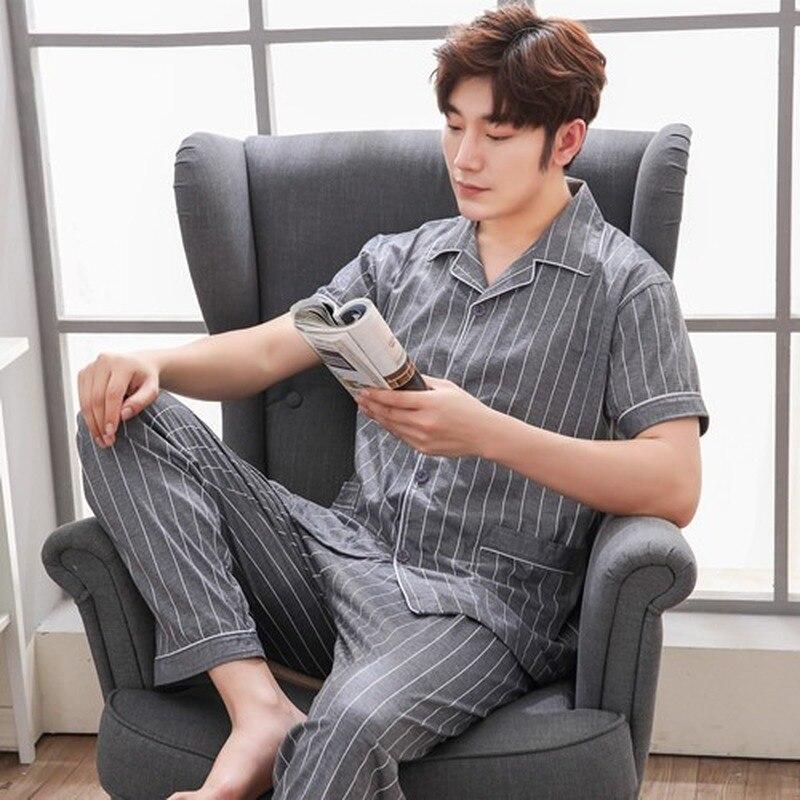 Пижамы устанавливает мужчин с коротким рукавом тонкий воздухопроницаемый простой отложным воротником карманы досуг повседневные мужские 2 шт домашней одежды комплект новый модный