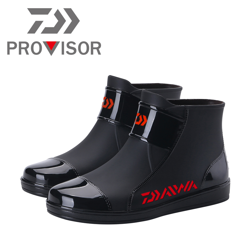 2020 New Daiwa Fishing Shoes DAWA Man Warm Fishing Water Shoes Fashion Waterproof Non-slip DAIWA Boots Outdoor Sea Fishing Shoes