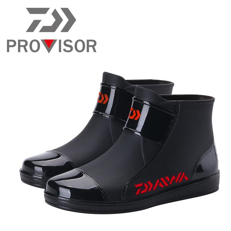 2020 New Daiwa Fishing Shoes DAWA Man Warm Fishing Water Shoes Fashion Waterproof Non-slip DAIWA Boots Outdoor Sea Fishing Shoes