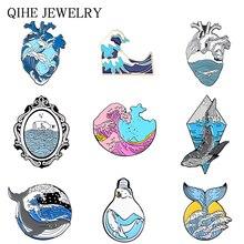 Broches de ola de mar y océano con forma de corazón, bombilla de luz, ballena, sol, insignias creativas, colección de pin esmaltado de onda azul