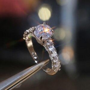 Image 3 - Huitan nowy zaprojektowane klasyczne 4 pazury cyrkonia wysokiej jakości olśniewający ślub ceremonia ślubna kobiety pierścień szlachetna biżuteria