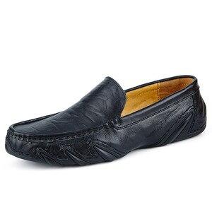 Image 2 - Без шнуровки на осень; Повседневная мужская кожаная обувь, мокасины Homme женская обувь на плоской подошве женские лоферы без застежки; Женские туфли лодочки с вождения мокасины 2020 Новинка; Лидер продаж по доступной цене