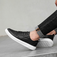 Quality Casual Men Shoes Breathable Natural Leather Sneakers Flats Shoes for Men Handmade Driving Shoes Men fashion men shoes handmade made casual shoes sneakers genuine leather shoes men lace up flats mocasines hombre dropshipping