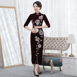 Image 3 - 2019 Rushed Quinceanera 2020 Autumn New Pearl Nail Golden Velvet Cheongsam Dress Show Mom Wedding Mother In Law Quality Women