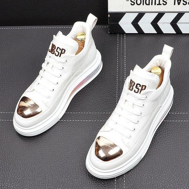 Primavera de 2021 nueva marca diseñador de hombres de la placa de Metal de cuero de aire alta Tops zapatos casuales pisos mocasines de Punk Rock zapatillas de deporte 2