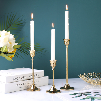 Nostalgia Retro Iron Candlestick Ornament Creative Household Brass Candelabra Elegant Wedding Decoration Club Parties Home Decor