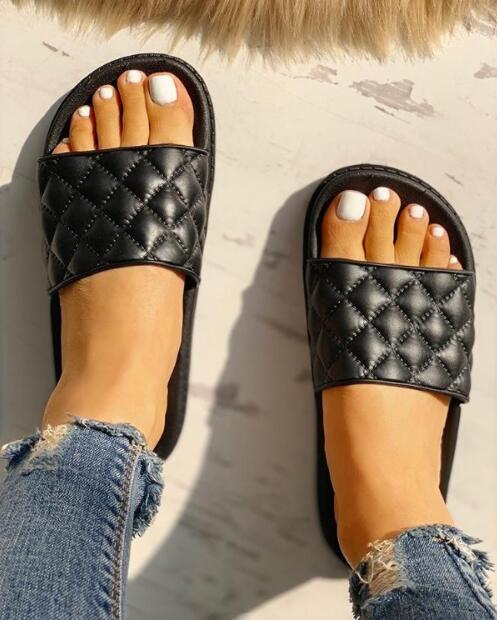 2020 Women's Transparent Sandal Luxury Clear Flats Shoes Summer Casual Slides Ladies Beach Sandals Fashion Sandalia Rasteirinha