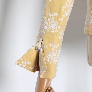 Image 4 - TWOTWINSTYLE 자수 히트 색상 여성용 블라우스 옷 깃 칼라 퍼프 긴 소매 슬림 셔츠 여성 2020 패션 의류 조수