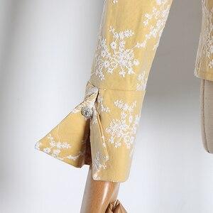 Image 4 - TWOTWINSTYLE Stickerei Hit Farbe frauen Blusen Revers Kragen Puff Langarm Dünne Hemden Für Weibliche 2020 Mode Kleidung Flut