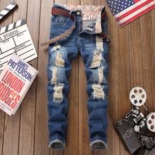 цена Ripped hole jeans men fashion new moto biker style blue denim trousers distressed homme full length plus size 29-38 male jeans