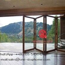 Двухстворчатая стеклянная дверная система плавно увеличивает открывающееся пространство, звукоизолированная